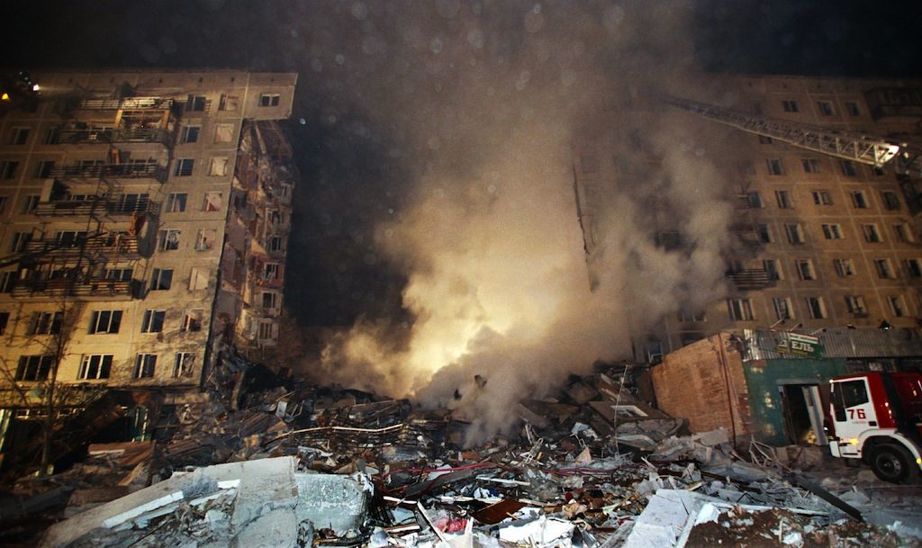 General view of an apartment block in Pechatniki suburb, southeast of Moscow, after an explosion destroyed four storeys out of 18, of the building early 09 September 1999. At least 13 people died, 58 were injured and some 140 people are thought to be still trapped under rubble. Russia's emergencies minister Sergei Shoygu said he could not confirm that the explosion was caused by a gas leak. (ELECTRONIC IMAGE) (Photo credit should read STR/AFP/Getty Images)